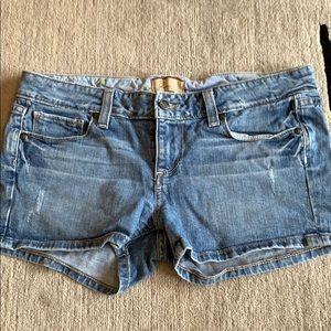 Paige Jean shorts size 29. Cute cozy shortie short